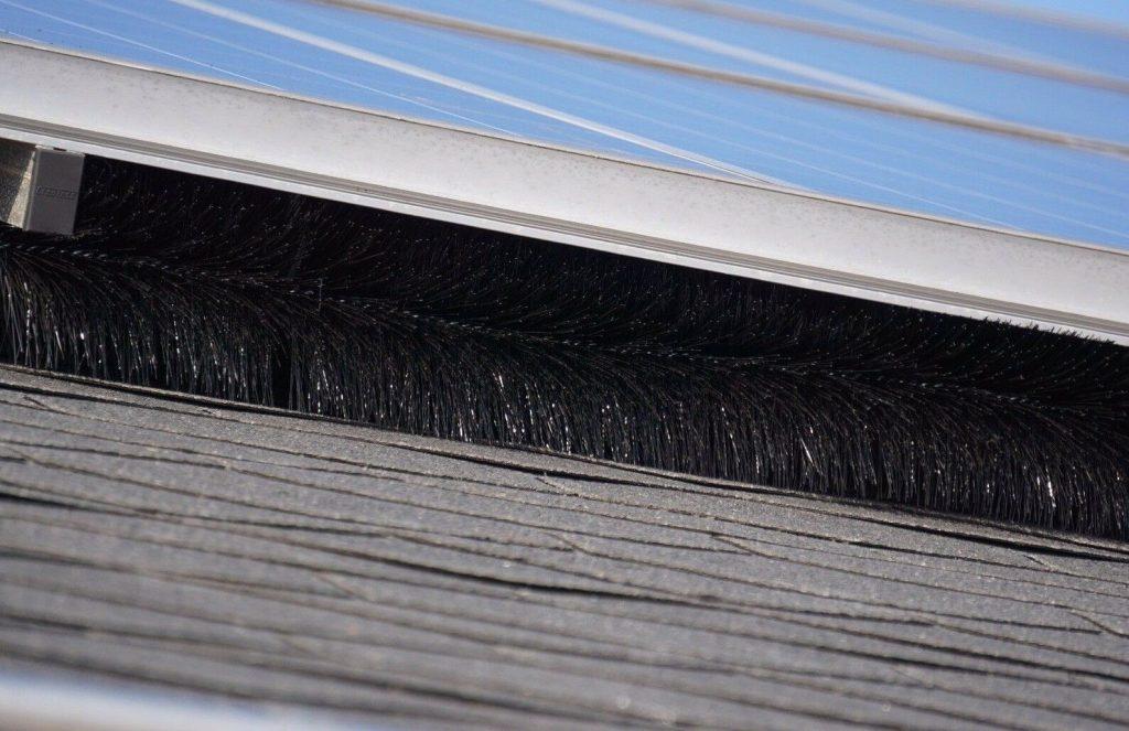 Scovolo barriera anti piccioni fotovoltaico